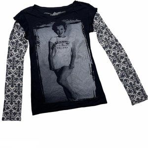 Marilyn Monroe Long Sleeve Graphic T Shirt Medium